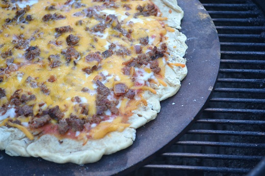 Grilled Bacon Cheeseburger Pizza