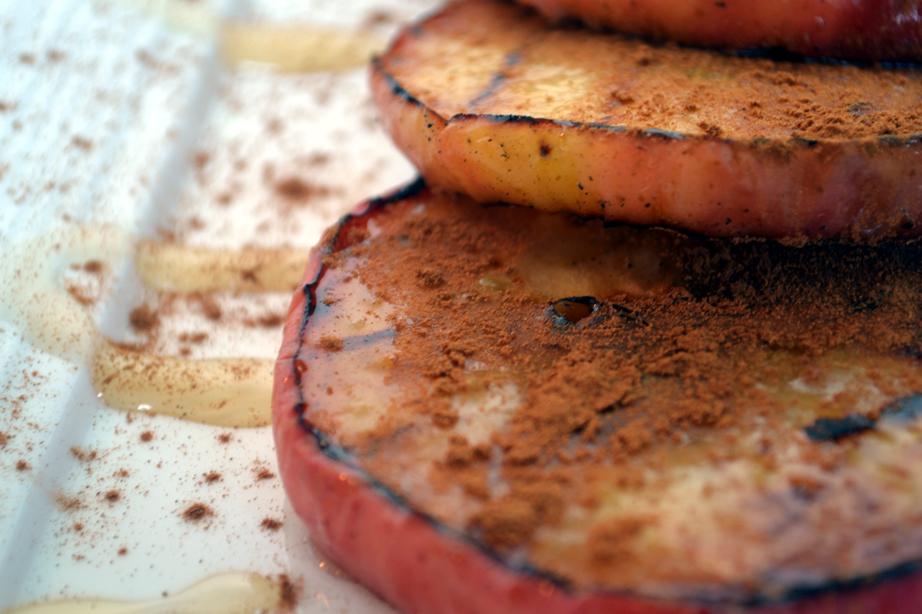 Grilled Apples Dessert