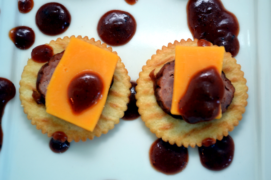 Smoked Sausage and Cheese Crackers